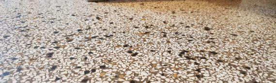 Naturstein Boden restaurieren